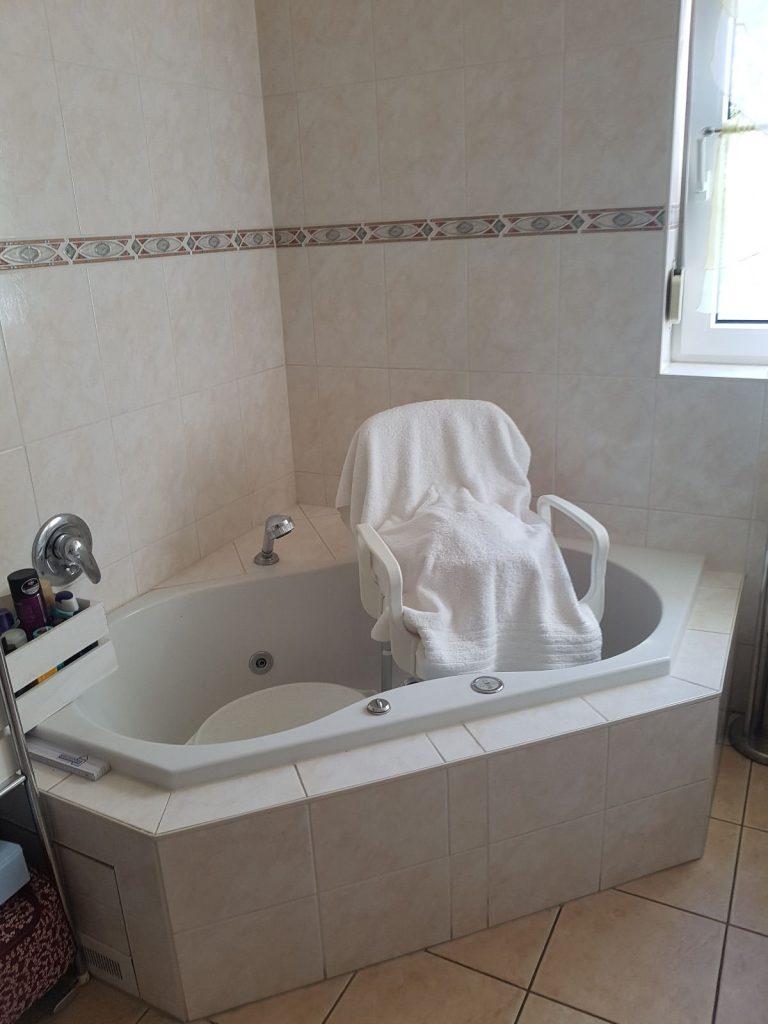 Beispiel Badewanne + Dusche mit Barrieren